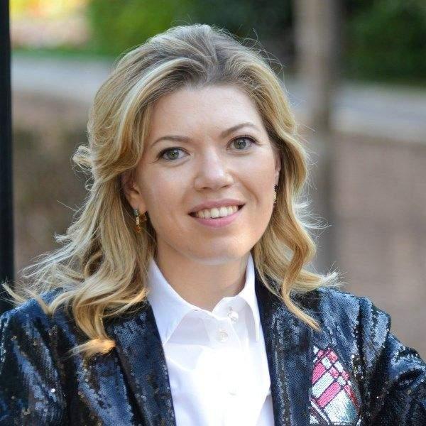 Elena Skoromokhina 600x600.jpg